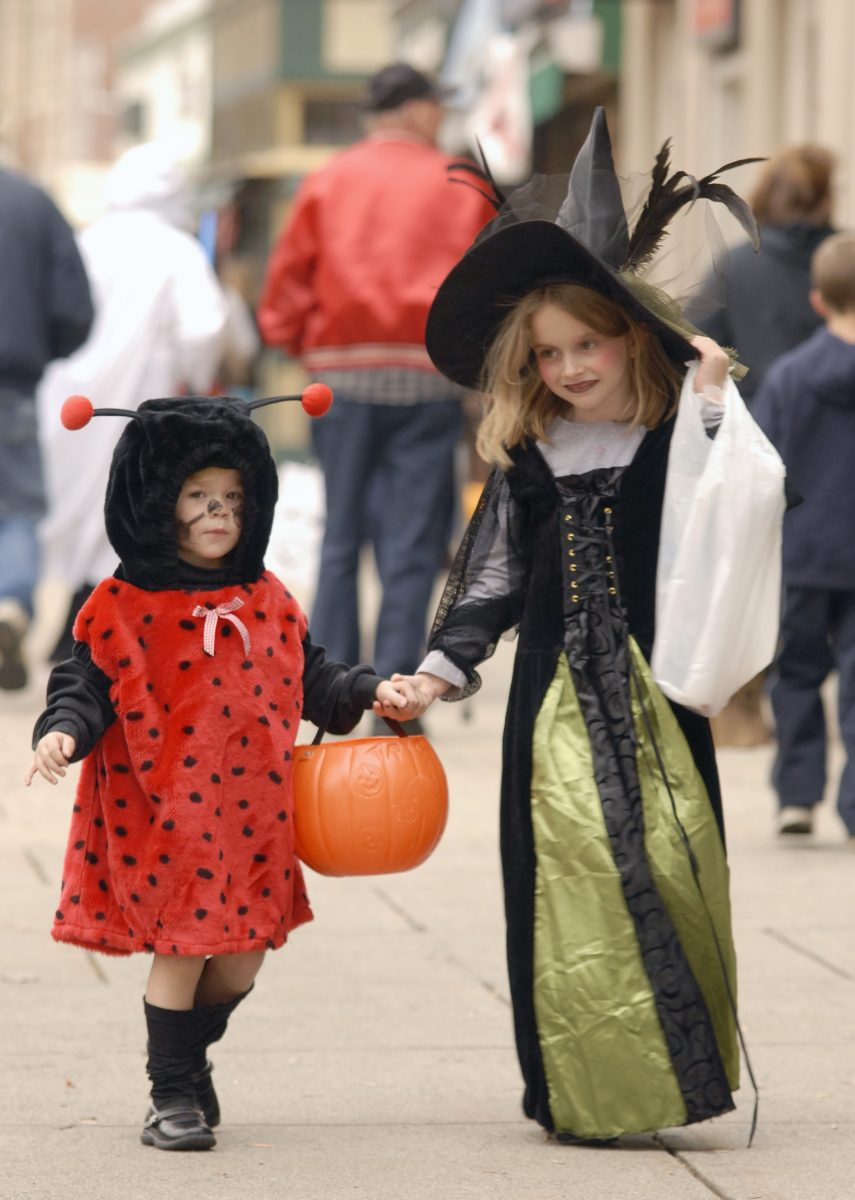 Downtown Merchants Host Trick Or Treaters