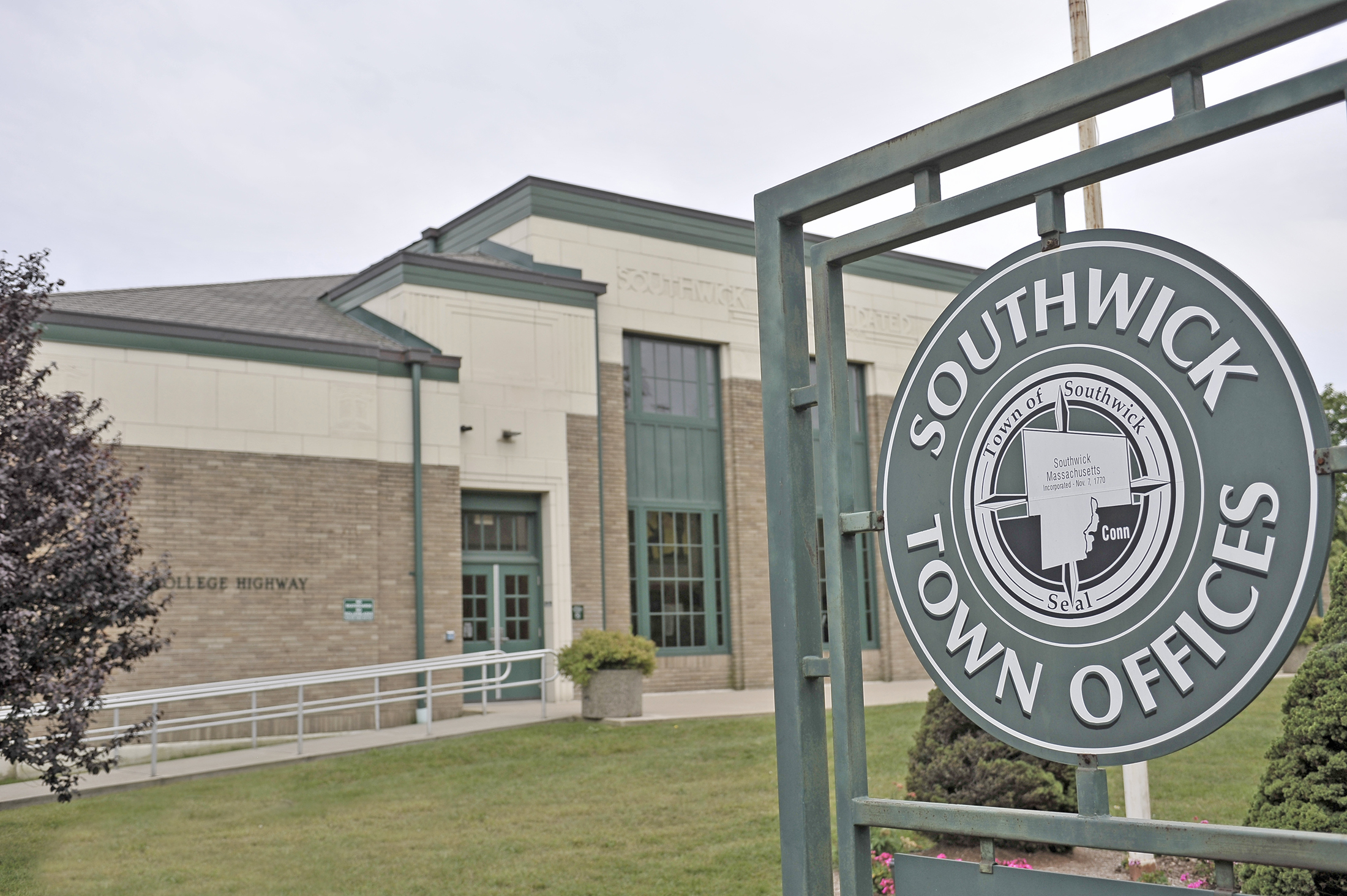One contested seat at annual town election