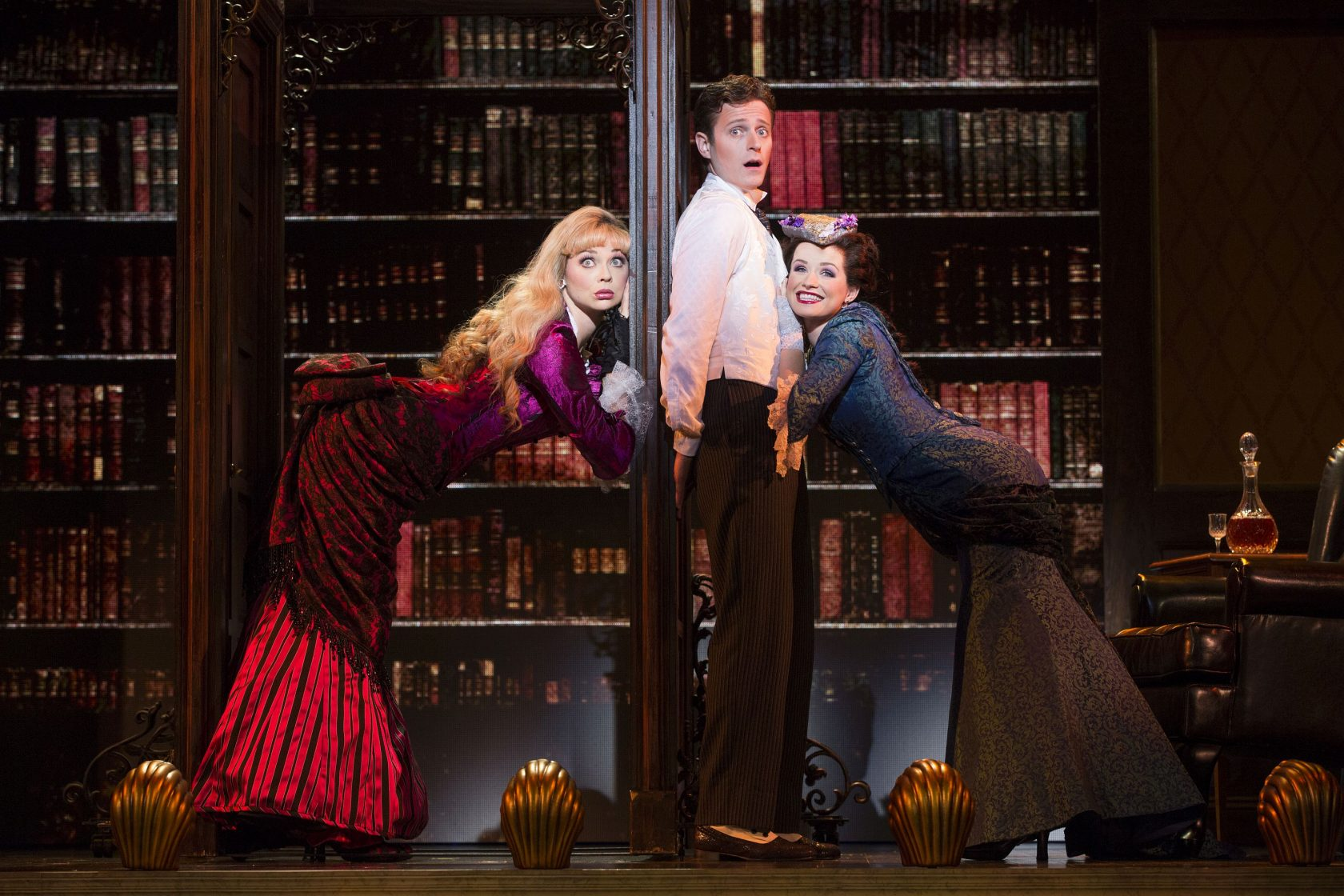 "Review: ""A Gentleman's Guide to Love and Murder"" Returns to Hartford"