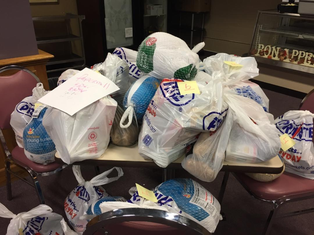 Thanksgiving food drive a success, in spite of obstacles