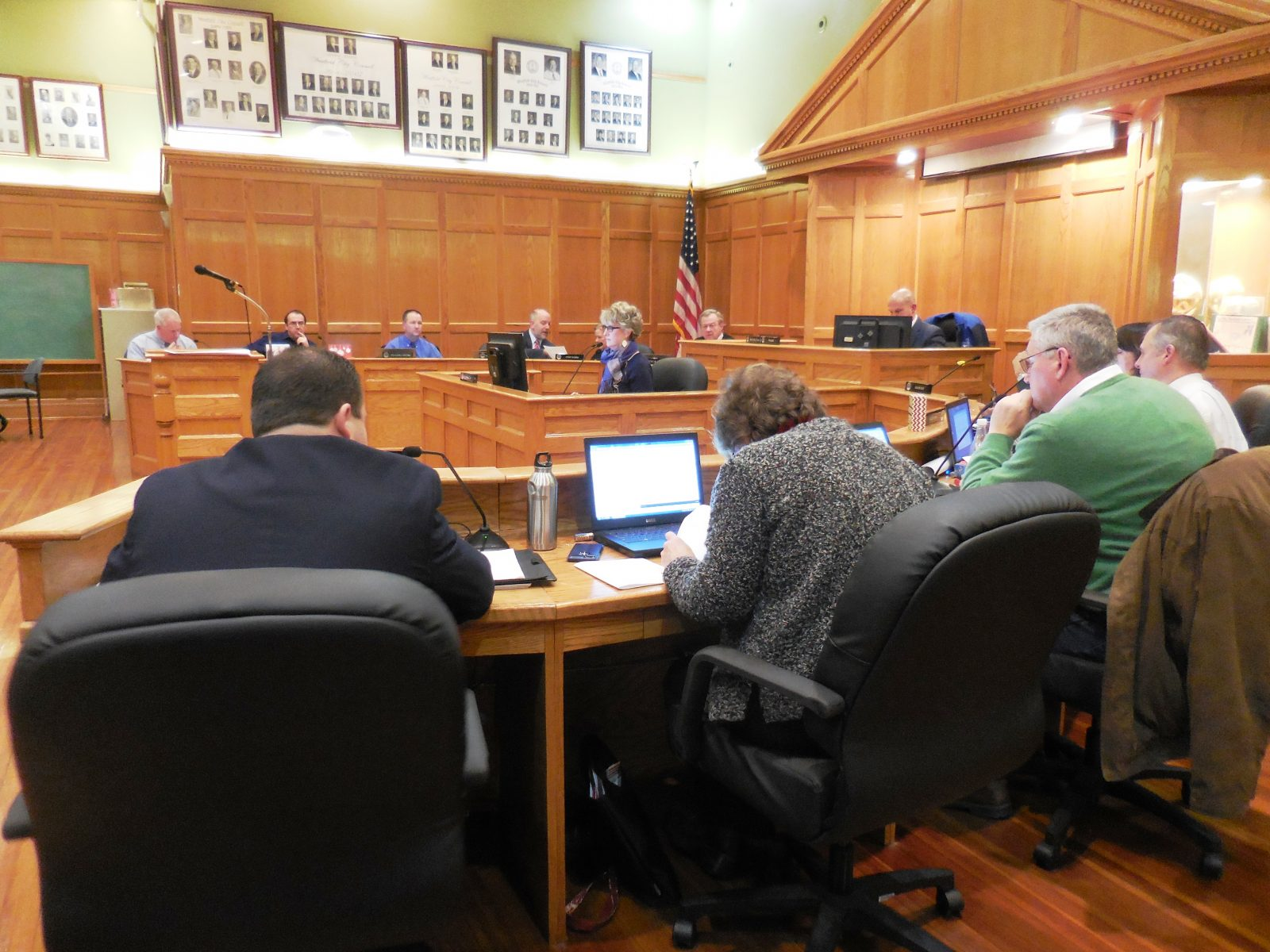 Second vote on smoking ban unanimous