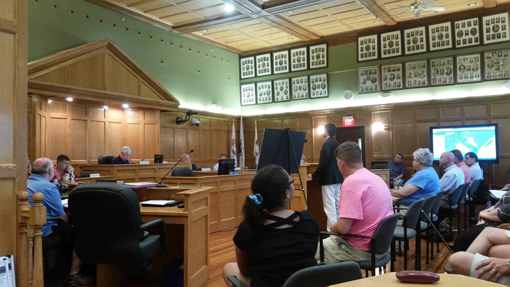 Planning board votes on Little River Road proposal