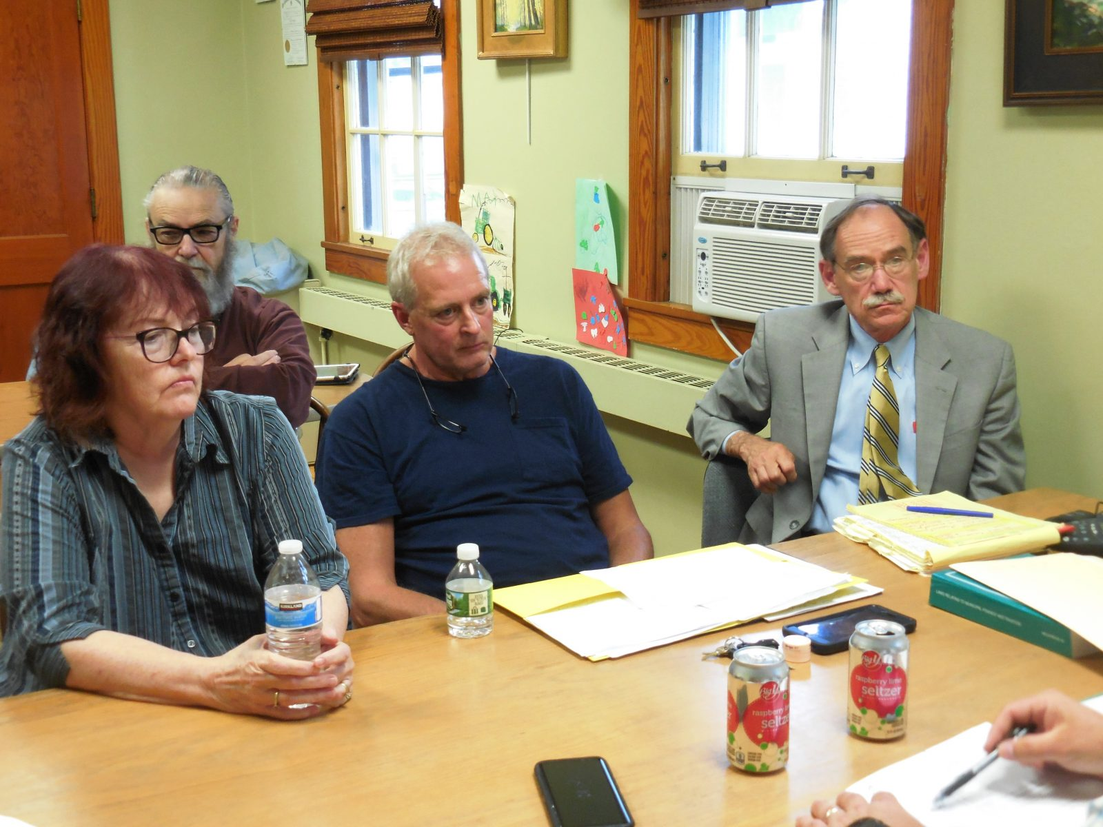 Cable Advisory Board at odds with Selectmen over Comcast contract