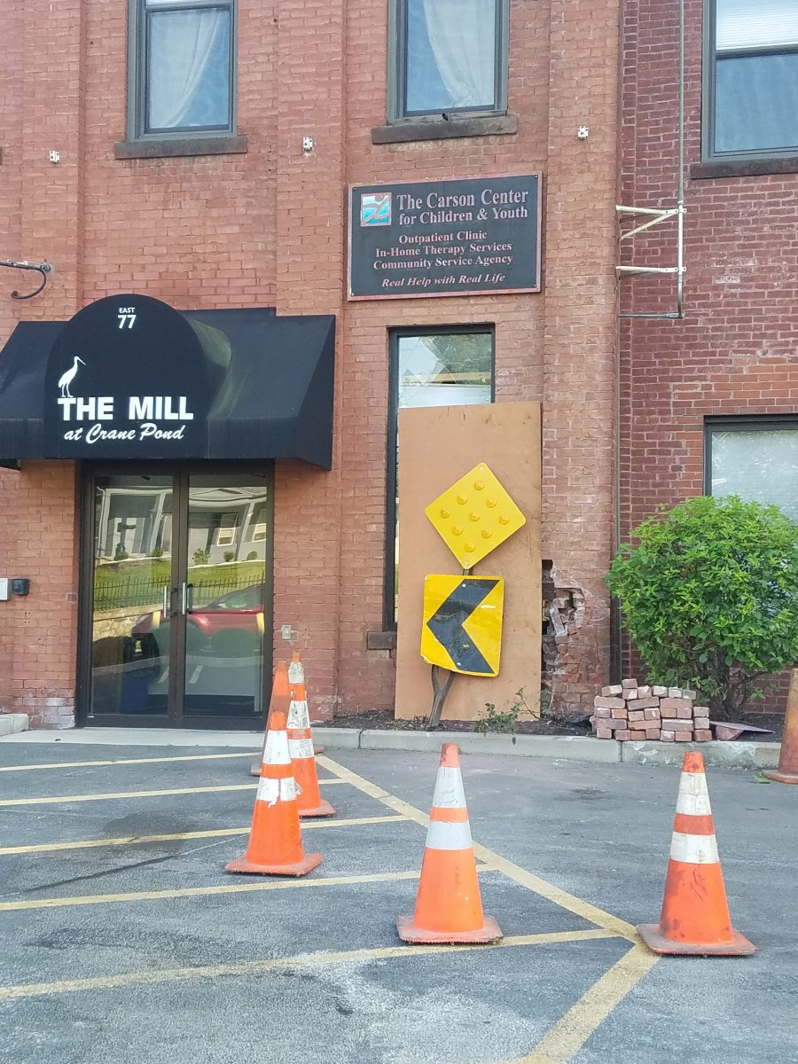 Car crashes into building on Mill Street