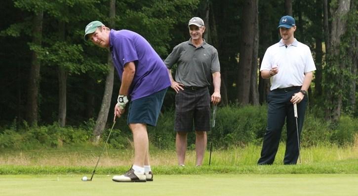 Golf tourney raises 25K for Owls