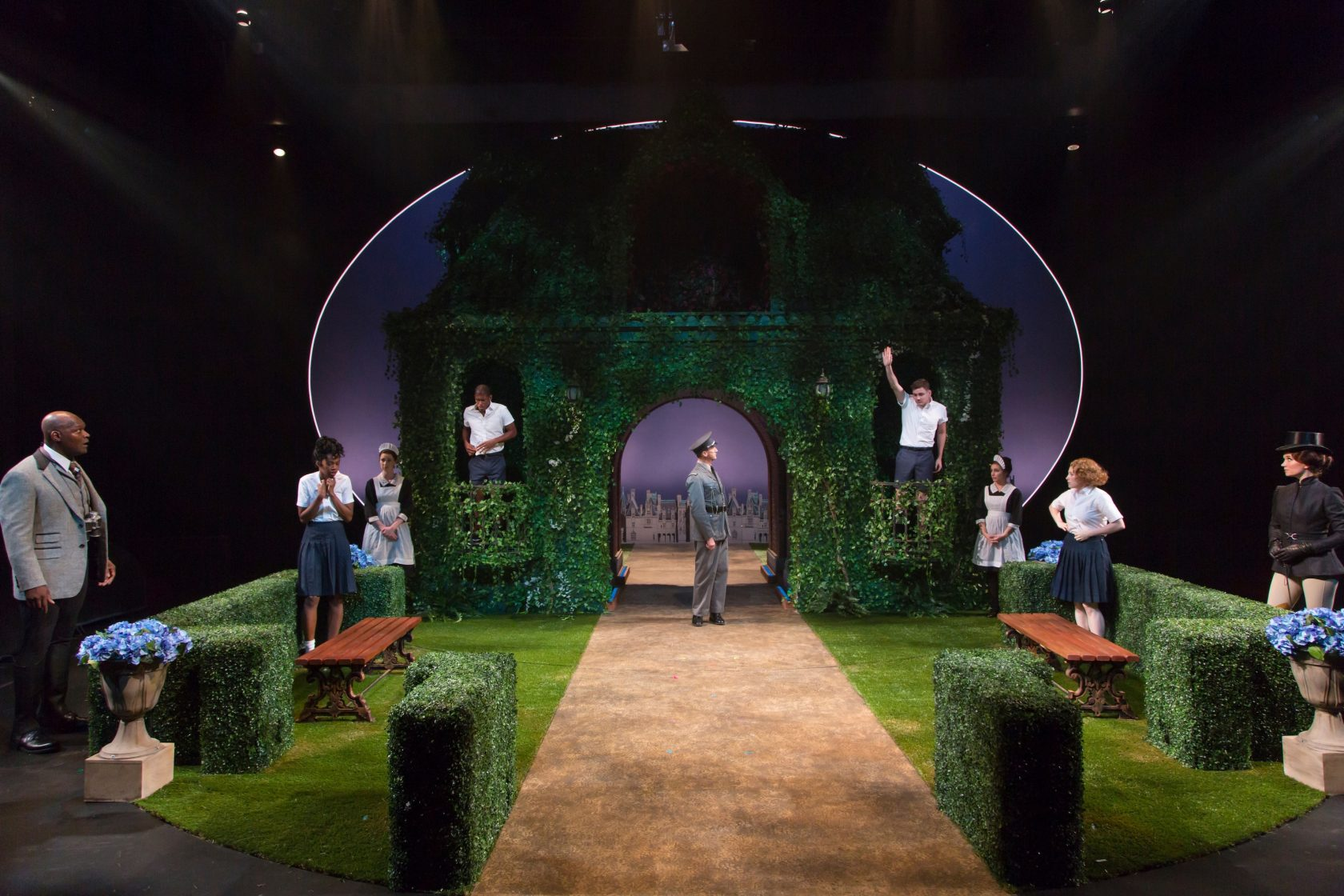 a review of the movie a midsummer nights dream A new production of a midsummer night's dream at shakespeare's globe is touching and joyously inventive, says charles spencer.