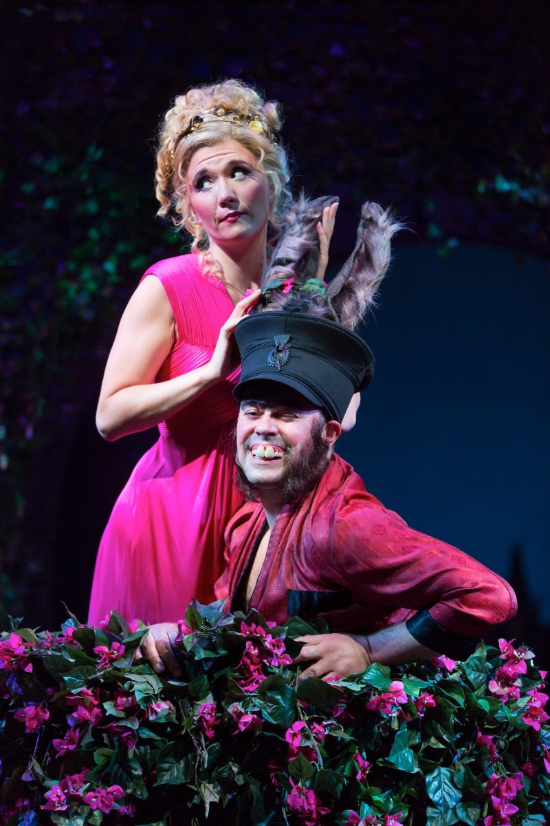 Review A Midsummer Nights Dream At Hartford Stage