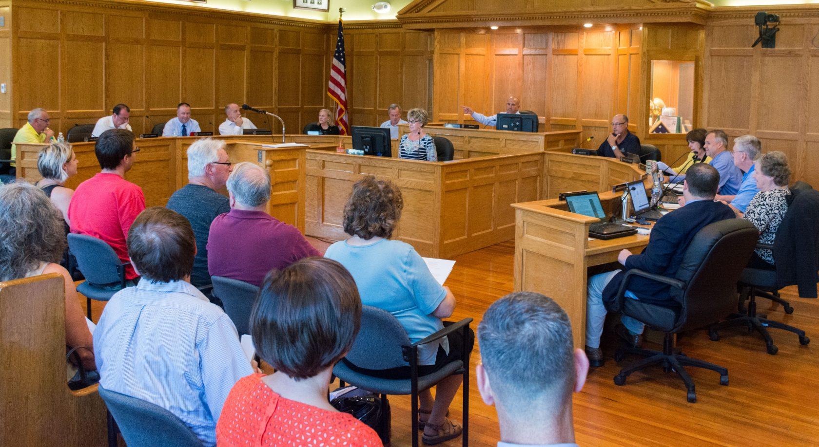 City Council tackles agenda items