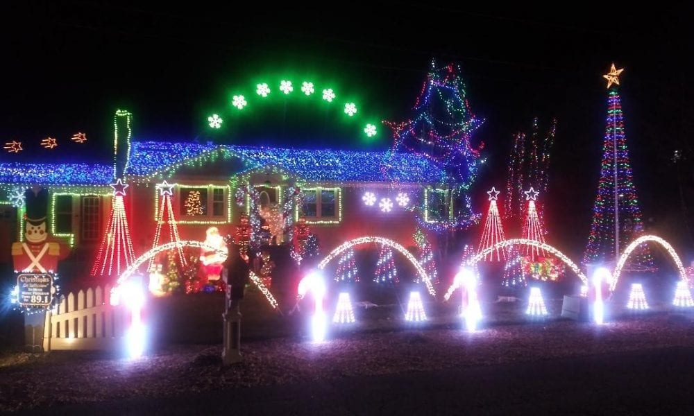 Westfield Ma Christmas 2021 Decemberfest Continues To Wow With Its Holiday Lights Challenge The Westfield News December 9 2020